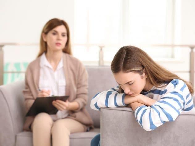 psihoterapie adolescenti, psiholog adolescenti, probleme adolescenti